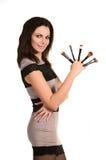 Visagiste femenino con los cepillos imagen de archivo libre de regalías