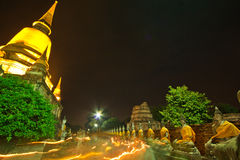 Visakha Bucha dag i buddismreligion på templet Arkivbild