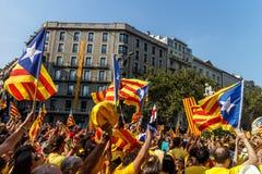 Visande självständighet för folk i Catalonia Royaltyfri Bild