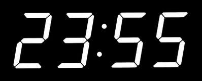 visar digitala fem minuter för klocka till tolv Royaltyfri Bild