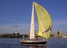 visaren seglar avstånd royaltyfri bild
