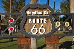 VisarKalifornien Route 66 tecken Arkivfoton