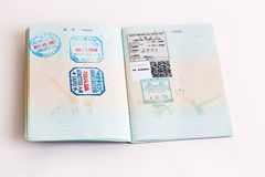 Visas y sellos en pasaporte Foto de archivo libre de regalías