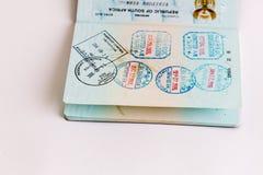 Visas y sellos en pasaporte Fotos de archivo
