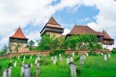 Visciri ha fortificato la chiesa in Romania immagine stock