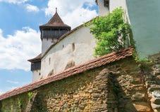 Visciri ha fortificato la chiesa in Romania fotografie stock