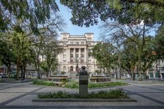Visconde de Maua Квадрат и здание муниципалитет Сантоса - Сантос, Сан-Паулу, Бразилия стоковое изображение rf