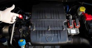 Viscosidad mecánica del aceite de motor de los controles Fotos de archivo