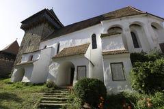 Viscri a enrichi l'église, une vue des toits Images libres de droits