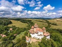 Viscri fortificou a igreja no meio da Transilvânia, Romênia Fotos de Stock Royalty Free