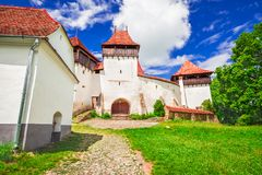 Viscri versterkte kerk, Transsylvanië, Roemenië stock foto's