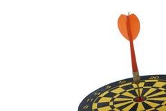 Visez le dard avec la flèche rouge d'isolement sur le fond blanc photo libre de droits