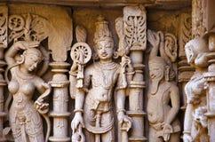 Vishnu雕塑,拉妮ki vav内在墙壁,在Saraswati河河岸的一复杂地被修建的stepwell  Patan,古杰雷特 免版税库存图片