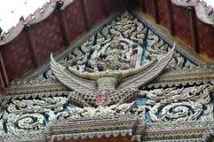 Vishnu устанавливая Tympanum Garuda старой часовни Стоковая Фотография