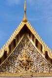 Vishnu, welches das Garuda, thailändische Skulptur anbringt Stockfotografie