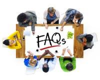 Visión aérea con los FAQ de la gente y del texto Fotos de archivo libres de regalías