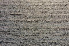 Visión aérea de arriba hacia abajo de campo agrícola arado del abejón imagenes de archivo