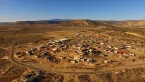 Visión aérea del norte al paso del tren de Mesita New México almacen de metraje de vídeo