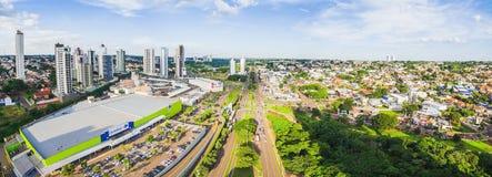 Visión aérea desde la avenida de Afonso Pena hacia el Na de Parque das imagen de archivo