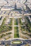 Visión aérea desde la torre Eiffel en Champ de Mars - París. Foto de archivo libre de regalías