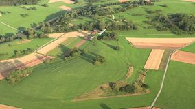 Visión aérea desde un paseo del globo, bosque negro metrajes