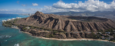 Visión aérea Diamond Head y Waikiki Oahu Imagen de archivo libre de regalías