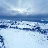Visión aérea en el paisaje del invierno Foto de archivo