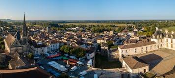 Visión aérea, Francia, el castillo del renacimiento, Cadillac en Gironda foto de archivo