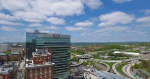 Visión aérea, Knoxville, Tennessee, los E.E.U.U. 4k céntrico almacen de video