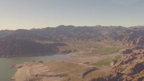 Visión aérea que vuela sobre Grand Canyon almacen de video