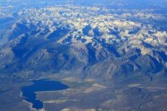 Visión aérea Rocky Mountains Lake Imágenes de archivo libres de regalías