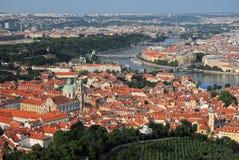 Visión aérea sobre ciudad vieja en Praga, República Checa fotografía de archivo