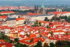 Visión aérea sobre el castillo de Praga en Praga, República Checa Fotos de archivo
