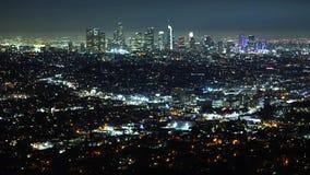 Visión aérea sobre Los Angeles por noche metrajes