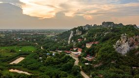 Visión aérea Wat Tum Chang Tasala Province Lopburi Tailandia Unsee fotografía de archivo libre de regalías