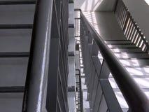 Visión abajo de las escaleras Fotografía de archivo