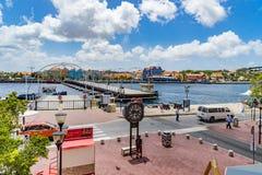 Visión abajo a las opiniones de Curaçao de la costa de Punda Foto de archivo
