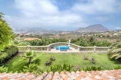 Visión agradable desde la ventana en Tenerife Fotografía de archivo