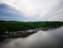 Visión amplia sobre el Hudson Foto de archivo libre de regalías
