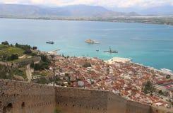 Visión de arriba hacia abajo desde el castillo de Palamidi, Nafplio, Peloponeso, Grecia imagen de archivo libre de regalías