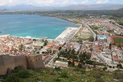 Visión de arriba hacia abajo desde el castillo de Palamidi, Nafplio, Peloponeso, Grecia foto de archivo libre de regalías