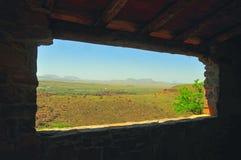 Visión dentro de una vista del paisaje de la montaña Imágenes de archivo libres de regalías