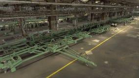 Visión desde arriba Planta de la ingeniería Un gran número de equipo agrícola produjo metrajes
