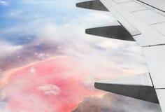 Visión desde el aeroplano en el lago de sal rosado Fotografía de archivo