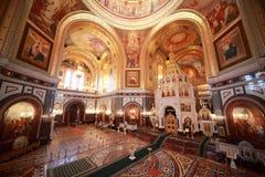 Visión desde el balcón en pasillo dentro de la catedral Fotos de archivo libres de regalías