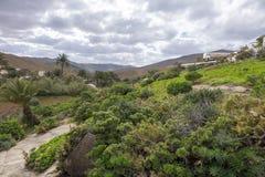 Visión desde el balneario de Las Palmas de las islas Canarias de Betancuria Fuerteventura Imágenes de archivo libres de regalías
