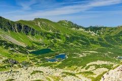 Visión desde el camino en las montañas de Tatra. Fotos de archivo
