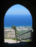 Visión desde el castillo del St Hilarions Imagen de archivo libre de regalías