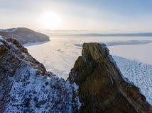 Visión desde el cielo en campos de hielo congelados del lago Baikal, Rusia Siberia fotografía de archivo libre de regalías