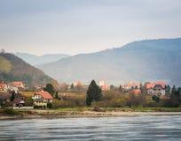 Visión desde el Danubio en otoño Fotografía de archivo